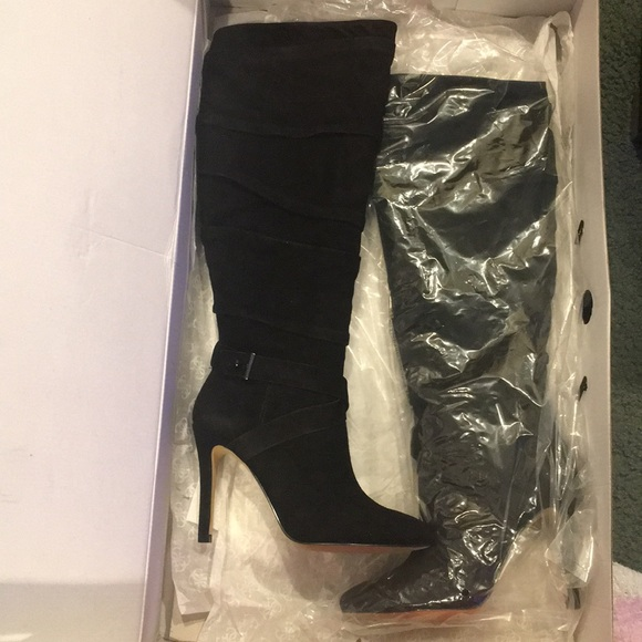 5abeb0fe500 Guess Women s Daris Knee-High Suede Boots